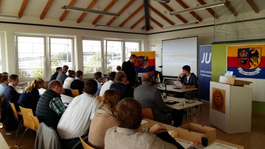 Versammlung der JU NF auf der Jahreshauptversammlung 2016 im NIC in Niebüll.